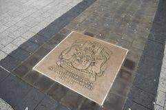 Placa con el escudo de armas de Bristol Imágenes de archivo libres de regalías