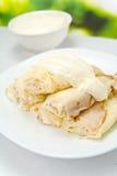 Placa con las crepes del queso Imagen de archivo libre de regalías
