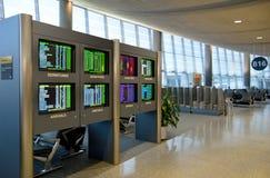 Placa da programação do aeroporto Fotos de Stock Royalty Free