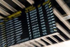 Placa das partidas em um aeroporto Foto de Stock Royalty Free