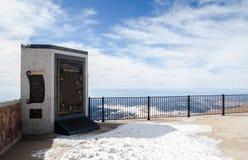 Placa de América el hermoso en la cumbre del pico de Pike, Colorado Imágenes de archivo libres de regalías
