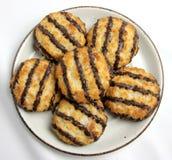 Placa de biscoitos do Macaroon de coco Foto de Stock Royalty Free