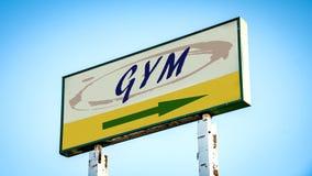 Placa de calle al gimnasio imagen de archivo libre de regalías