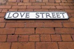 Placa de calle del amor Fotos de archivo libres de regalías