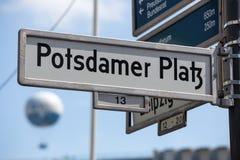 Placa de calle del platz del potsdamer de Berlín Imagen de archivo libre de regalías