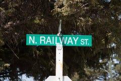 Placa de calle ferroviaria del norte verde foto de archivo