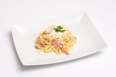 Placa de Carbonara de los espaguetis Imagen de archivo