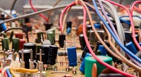 Placa de circuito com componentes fotografia de stock