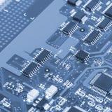 Placa de circuito eletrônico com processador Fotos de Stock