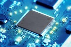 Placa de circuito eletrônico do close-up conceito do estilo da tecnologia Imagem de Stock