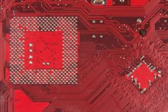 Placa de circuito eletrônico do close up suja placa do omputer com microplaquetas e componentes Foto de Stock Royalty Free