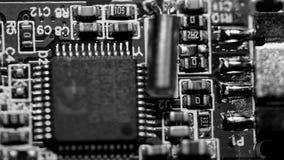 Placa de circuito genérica - blanco y negro imagenes de archivo