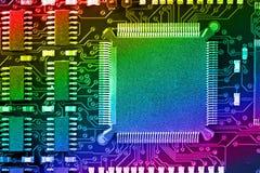 Placa de circuito impresso com muitos componentes bondes imagem de stock royalty free