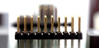 Placa de circuito impresso eletrônica com muitos componentes bondes Imagens de Stock