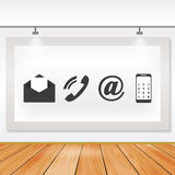 Placa de comunicação dos ícones com assoalhos e luz de madeira Fotografia de Stock Royalty Free