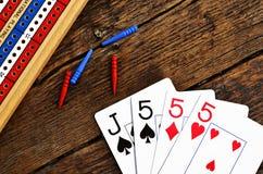 Placa de cribbage e cartões de jogo Imagem de Stock Royalty Free