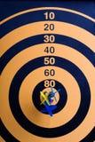 Placa de dardo magnética com dardos Fotografia de Stock Royalty Free