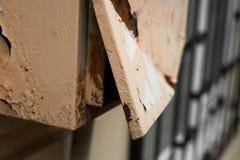 Placa de distribuição oxidada quebrada da caixa fotos de stock royalty free