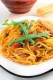 Placa de espaguetis finos cocinados Foto de archivo libre de regalías