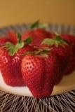 Placa de fresas Imagen de archivo libre de regalías