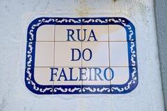 A placa de identificação da rua em Angra faz Heroismo, ilha de Terceira, Açores Fotos de Stock