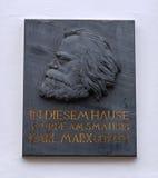 Placa de la casa de Karl Marx Imágenes de archivo libres de regalías