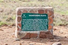 Placa de la información en el parque nacional de la cebra de montaña Imagenes de archivo