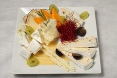 Placa de la selección del queso Imágenes de archivo libres de regalías