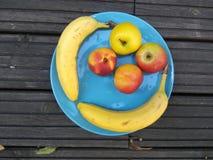 Placa de las frutas - desayuno sano 2 Imagen de archivo libre de regalías