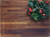 Placa de madeira com decorações do Natal Imagens de Stock Royalty Free
