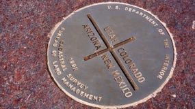 Placa de metal de quatro cantos nos EUA imagens de stock
