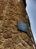 Placa de metal de la ana del ¼ del parque GÃ, Barcelona fotografía de archivo