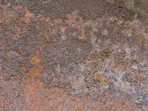 A placa de metal oxidada marrom velha é envelhecida e corroída Textura da mancha suja do quadro e da corrosão fotografia de stock royalty free