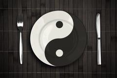 Placa de Yin yan sobre el concepto de bambú del placemat Foto de archivo