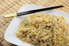 Placa del arroz frito Fotos de archivo