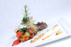 Placa del filete blando de cena fino de la avestruz de la comida Fotos de archivo