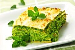 Placa del lasagna vegeterian Imagenes de archivo