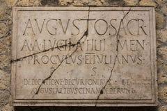 Placa del latín de Herculaneum fotografía de archivo