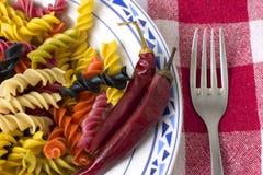 Placa do peperoni do whit da massa Imagens de Stock Royalty Free