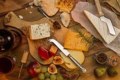Placa do queijo Fotografia de Stock Royalty Free