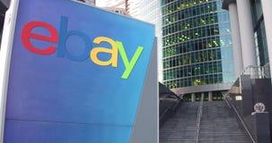 Placa do signage da rua com eBay Inc logo Arranha-céus do centro do escritório e fundo modernos das escadas Rendição 3D editorial Fotos de Stock Royalty Free