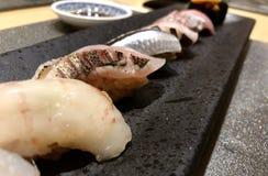 Placa do vário sushi japonês imagem de stock royalty free