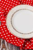 Placa do vintage na toalha de cozinha vermelha Fotos de Stock Royalty Free