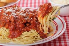 Espaguetes em uma forquilha fotografia de stock royalty free