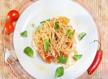 Placa dos espaguetes e do tomate Imagem de Stock Royalty Free