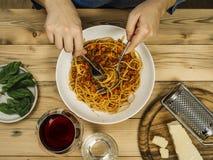 Placa dos espaguetes tradicionais Bolonhês fotos de stock
