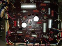 Placa e componentes eletrônicos análogos velhos Foto de Stock Royalty Free