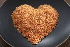 Placa elegante del corazón de las tarjetas del día de San Valentín del alimento Fotografía de archivo libre de regalías