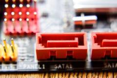 Placa eletrônica com componentes bondes Eletrônica do material informático foto de stock royalty free