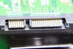 Placa eletrônica do conector do disco rígido de Sata com componentes bondes Eletrônica do material informático fotografia de stock